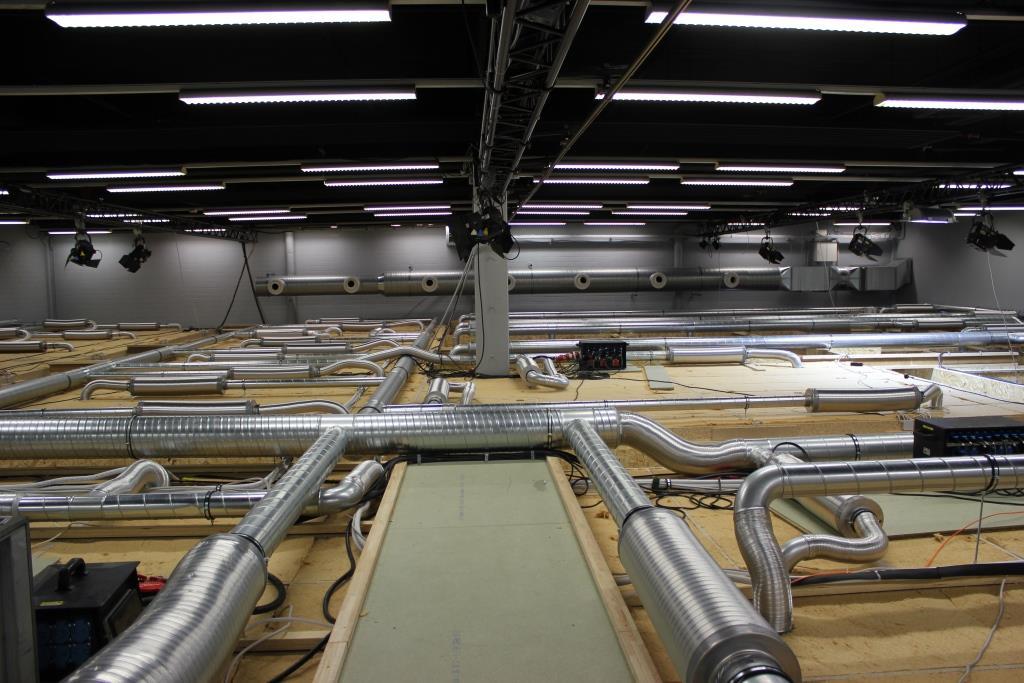 Dem Nationalen Sendezentrum auf's Dach geschaut: Es wurde komplett ins Studio 5 eingebaut.